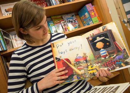 Measuring materialism in children's books