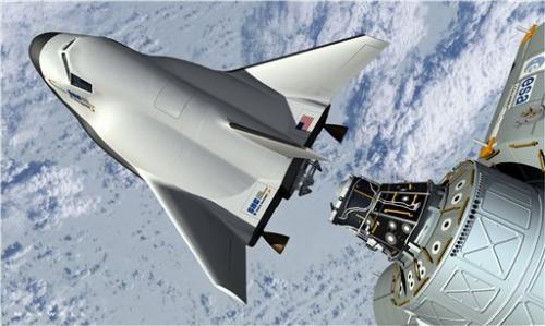 Mini space shuttle skids off runway in test flight