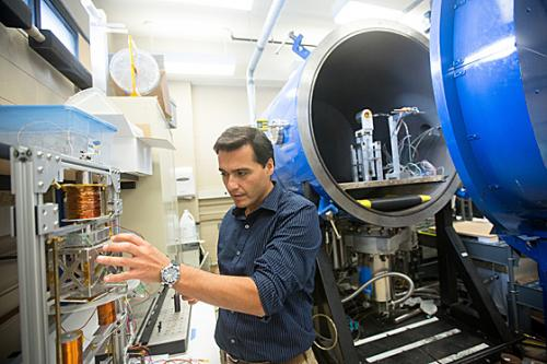 MIT lab developing ion microthrusters for cubesats