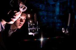 Nanophotonics technology enables a new kind of optical spectrometer