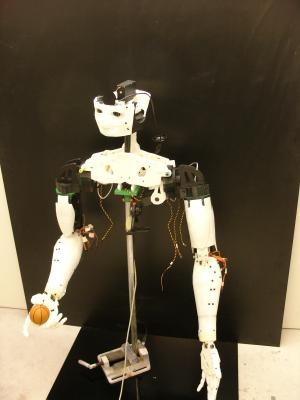 Open source 3-D printed robot extends hand to DIY fans