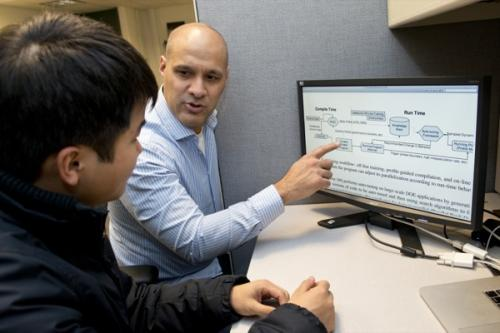 Professor works to overcome challenges in harnessing power of multicore computer processors