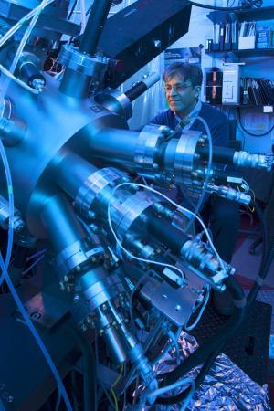 Самарс экспериментирует со спином электрона