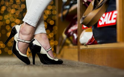 Shopping in high heels could curb overspending