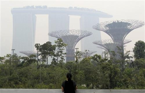 Singapore fumes after pollution hits 16-year high