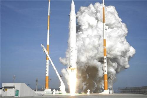 SKorea: Satellite working normally, sending data