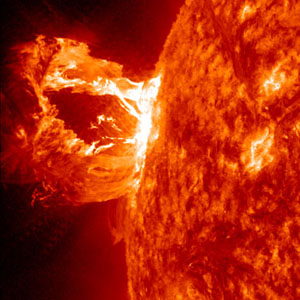 Solar tsunami used to measure Sun's magnetic field