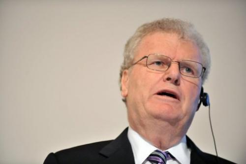 Sony chairman Howard Stringer speaks at a news conference in Tokyo on February 2, 2012