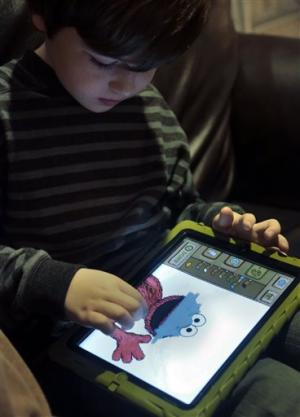 Tablets a hit with kids, but experts worry
