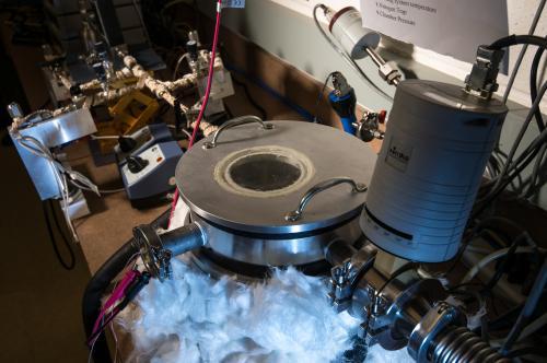 Turning vapors into foam-like polymer coatings