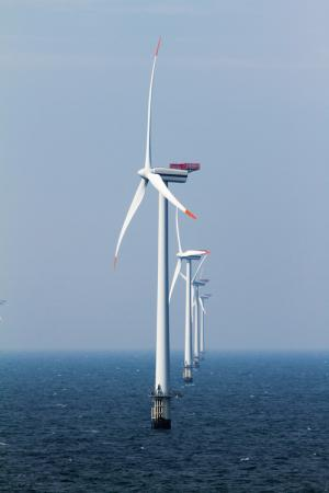 Windmills at sea can break like matches
