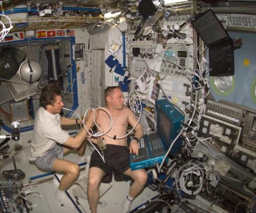 Wrist-sized bone scanner could fly to the space station in 2016