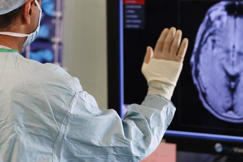 A new use for touchless technology in the operating theatre