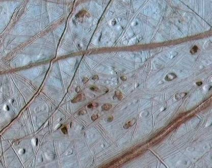 An experiment recreates the crust of the moon Europa