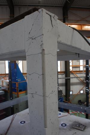 Building 'belt' offers cheap, quick repair of earthquake damage