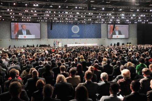 Danish Prime Minister Lars Loekke Rasmussen delivers a speech on December 7, 2009 during the opening ceromony of the 15th sessio