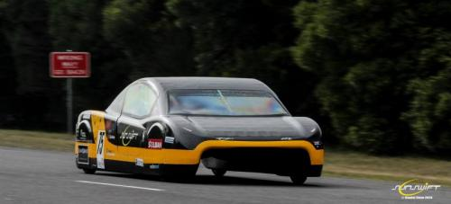 Students successful in electric car world record attempt