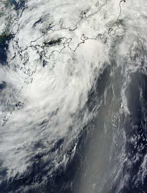 NASA sees Tropical Storm Neoguri losing punch along southern Japan's coast