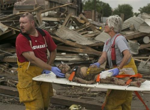 One person dead and 19 injured by Nebraska tornadoes