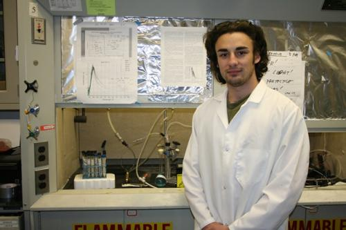 Student research leads to method for developing clean hydrogen fuel