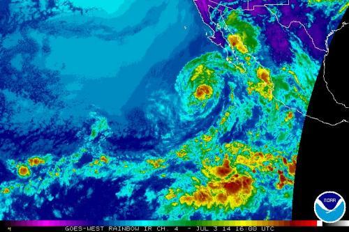Tropical Storm Douglas weakening in the eastern Pacific
