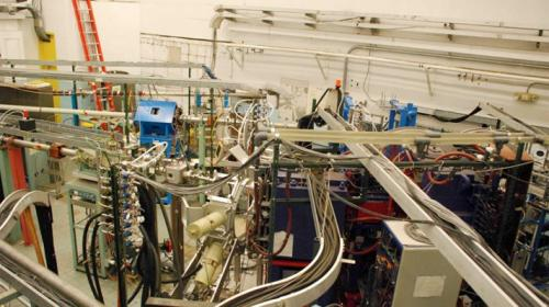 Yale prepares for atom smasher's farewell, sets stage for new physics era