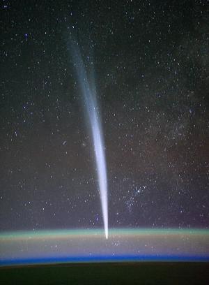Australian amateur Terry Lovejoy discovers new comet