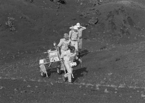 Decades-old photos emerge of Apollo training