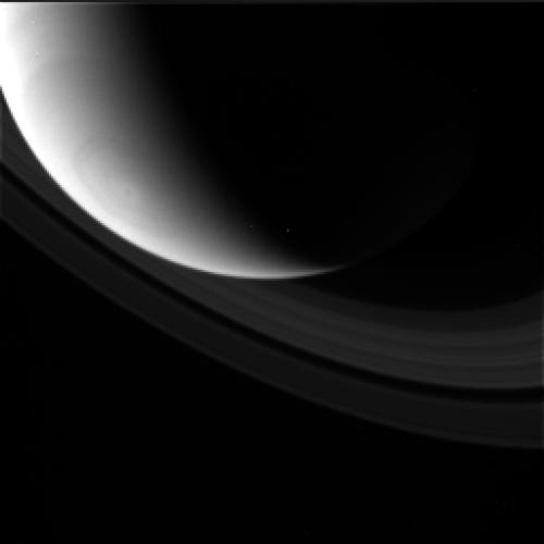 Ringed planet dances in raw Cassini images