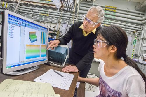 Researchers identify key intermediate steps in artificial photosynthesis reaction