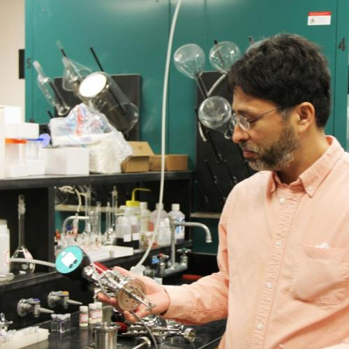 Ames Lab creates multifunctional nanoparticles for cheaper, cleaner biofuel