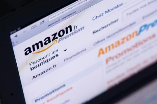Big-name authors are calling on readers to help them get out of the cross-fire in a battle between online giant Amazon and Frenc