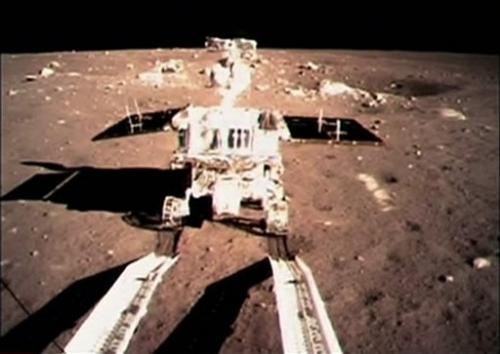 Chinese fans of 'Jade Rabbit' rover await news