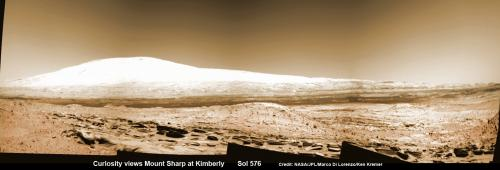 Curiosity pulls into Kimberly and spies curvy terrain for drilling action