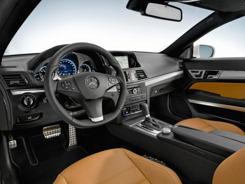 Daimler job ads suggest Mercedes cars soon to have Android/iOS phones integrated into dash