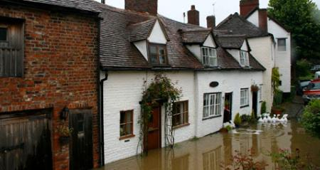 Experts call for resilient reinstatement after winter flooding in South of England
