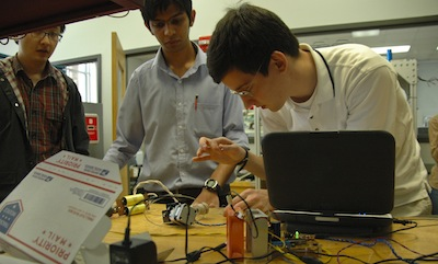 Grad students explore wireless power transfer