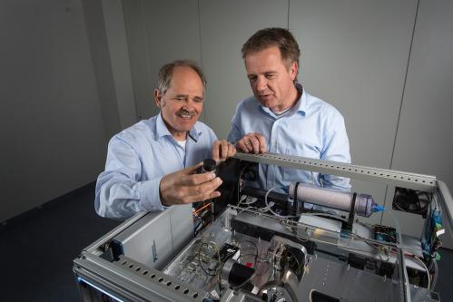Inspecting letters with terahertz waves