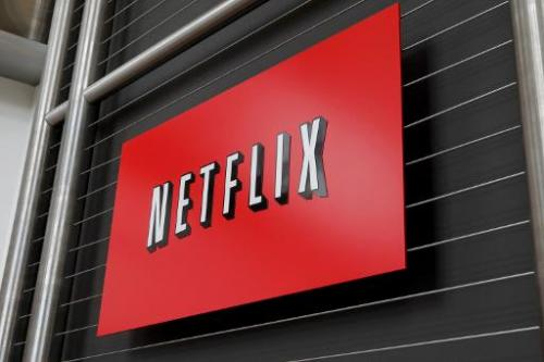 Netflix announced its first alliances with US cable television service companies to make its popular video streaming service ava