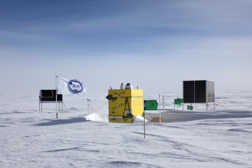 Remote Antarctic telescope reveals gas cloud where stars are born