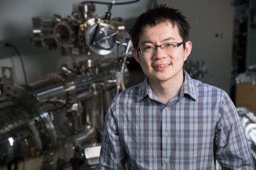 Scientists find 3-D material that mimics 2-D graphene