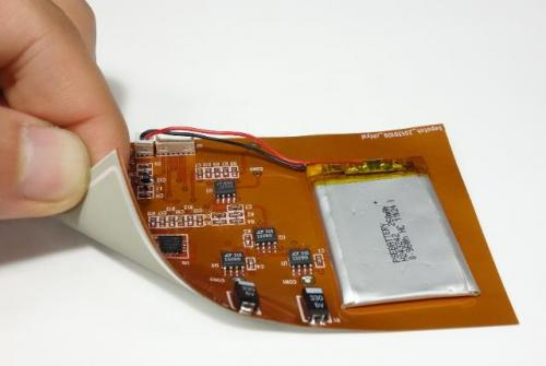 Unobtrusive, wearable blood pressure sensor for long-term continuous monitoring