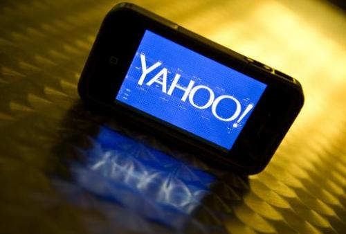 Yahoo ramped up its move to mobile, grabbing for Android smartphone home screens with an Aviate application tuned to where peopl
