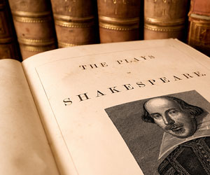 psychological estrangement in shakespeares hamlet essay In the essay hamlet made simple, david p gontar turns the tables on the  psychoanalysts by suggesting that  shakespeare and psychoanalytic theory.