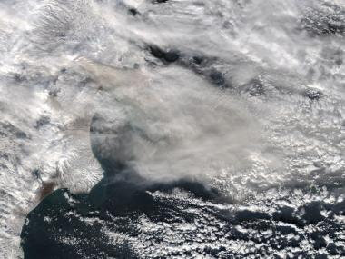 NASA's aqua satellite catches glimpse of russia's active volcanoes