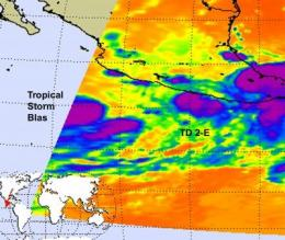 Tropical Depression 2-E struggling, while Tropical Storm Blas is born