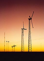 Blending wind and solar meets peak energy demands