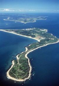 Documents show vast cleanup of Plum Island land (AP)