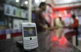 Dubai police chief calls BlackBerry a spy tool (AP)