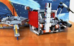 ESA's Rosetta comet-chaser goes LEGO